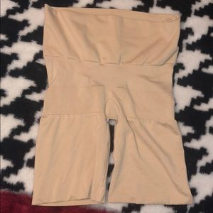 NWOT SPANX Nude Butt Lifting Shaper L